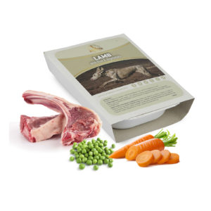 dog and field lamb wet dog food tray